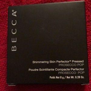 BECCA Shimmering Skin perfector powder